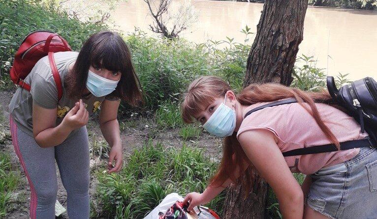 Юні охоронці природи здійснили навчальну екскурсію в  Боздошський парк та прибрали берег Ужа