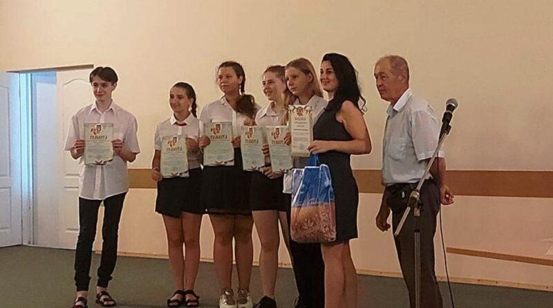 Юннати ЗОЕНЦ взяли участь у Всеукраїнському фестивалі патріотичних дій і посіли друге місце