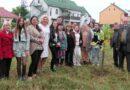 Студенти-Драгоманівці посадили пам'ятне деревце в екоцентрі й не тільки…